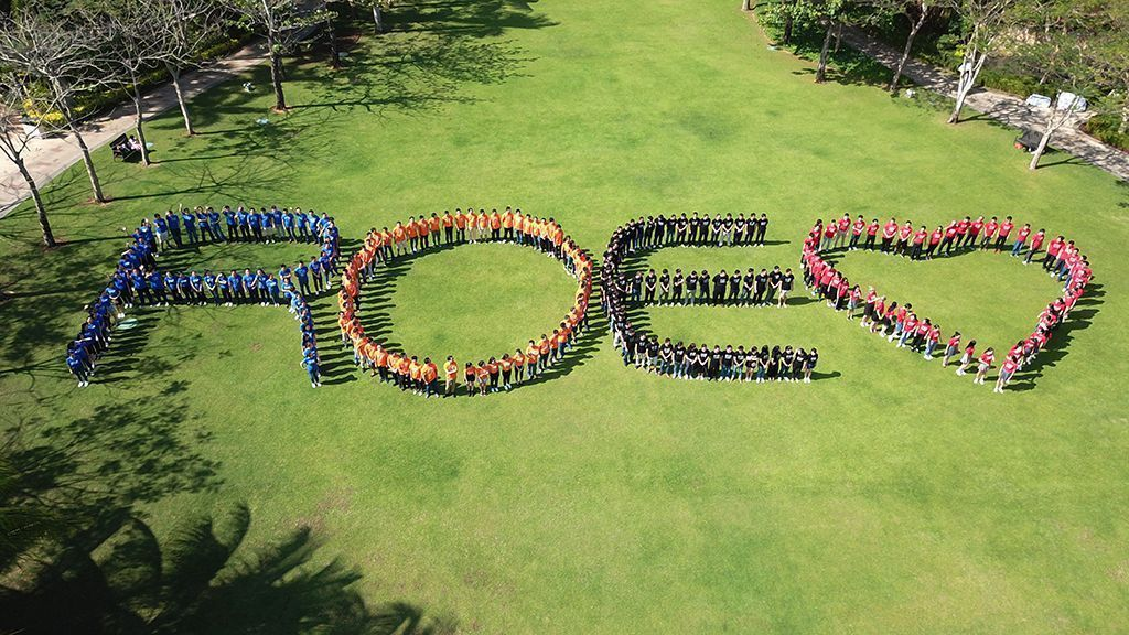 ROE Visual Unveils Ambitious Product Plans at Annual Sales Meeting